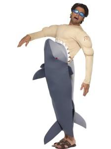 nageur mange par un requin